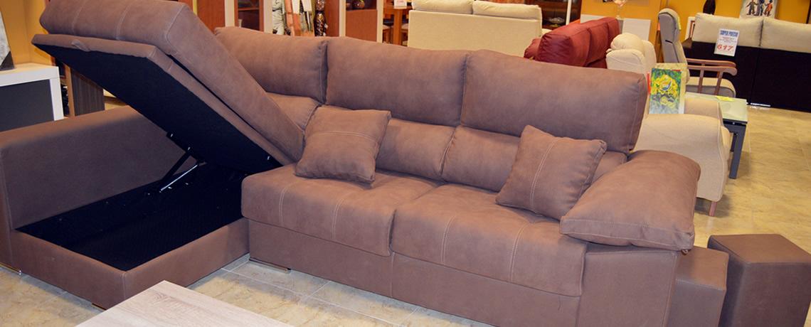 3 - Muebles en yuncos ...